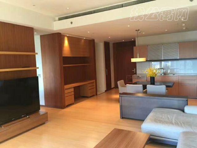 银泰中心(柏悦居/府)公寓起居室