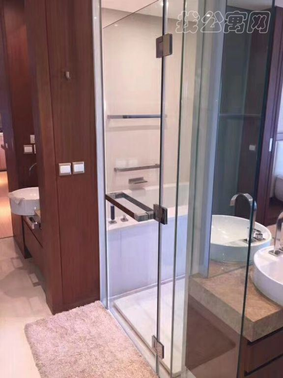 银泰中心(柏悦居/府)公寓盥洗室