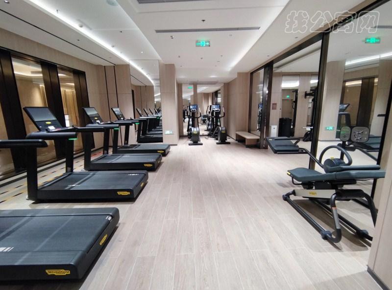 东方豪庭公寓健身房