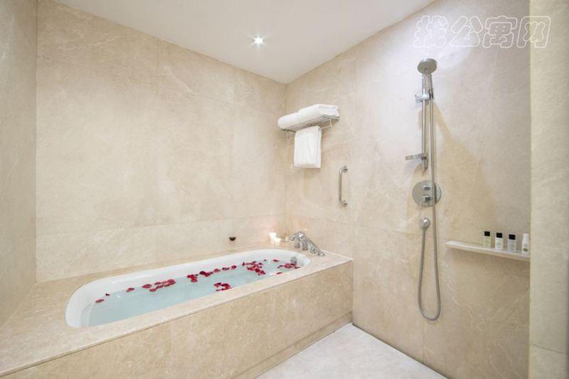 金融街行政公寓盥洗室